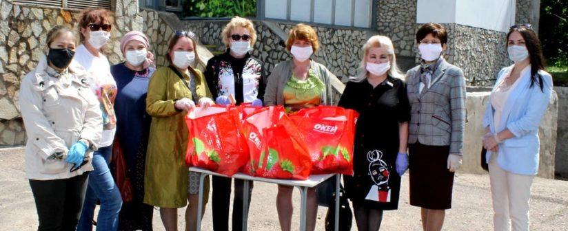 28 мая 2020 г Союз женщин Уфы совместно с активистами МП РБ посетили Клинику БГМУ